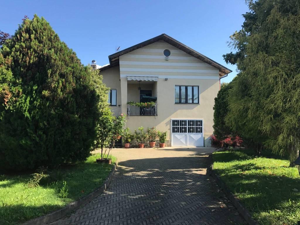 Villa in buone condizioni in vendita Rif. 5618268