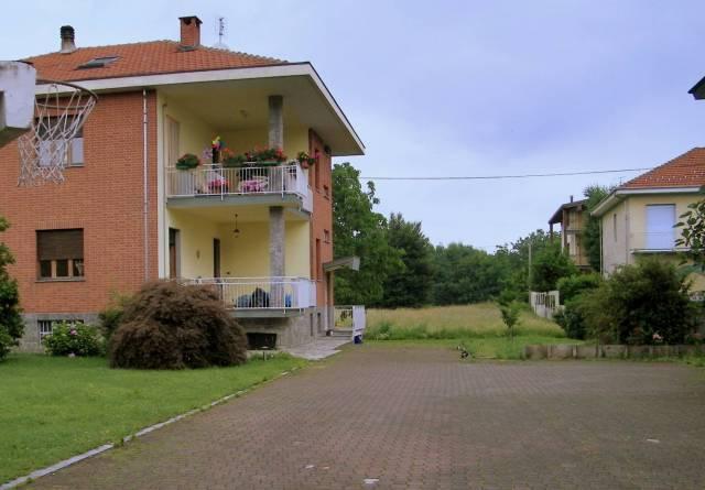 Appartamento in buone condizioni in affitto Rif. 6679242