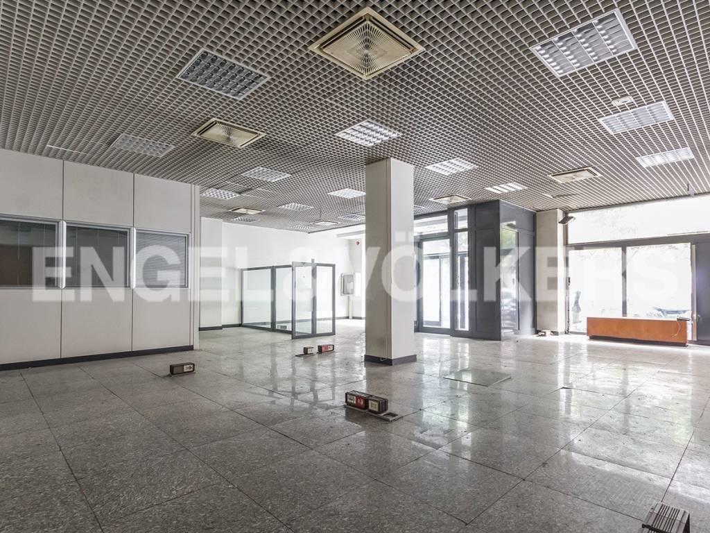 Ufficio-studio in Affitto a Roma: 2 locali, 550 mq