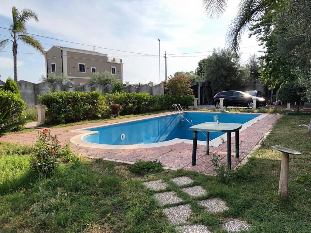 Maestosa villa con piscina Madonna Ammalati