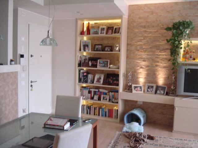 Appartamento in ottime condizioni arredato in affitto Rif. 6680588