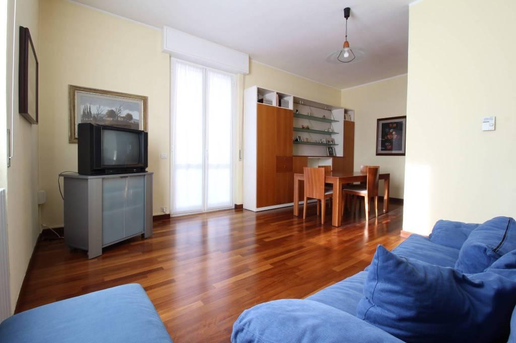 Appartamento in buone condizioni in vendita Rif. 9136077
