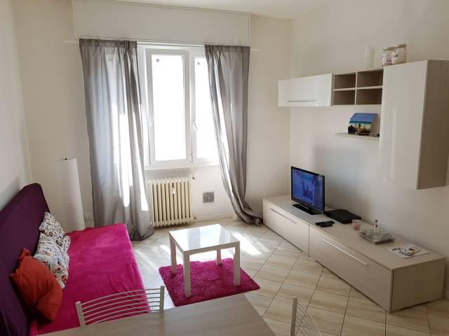 Appartamento in ottime condizioni arredato in affitto Rif. 6595746