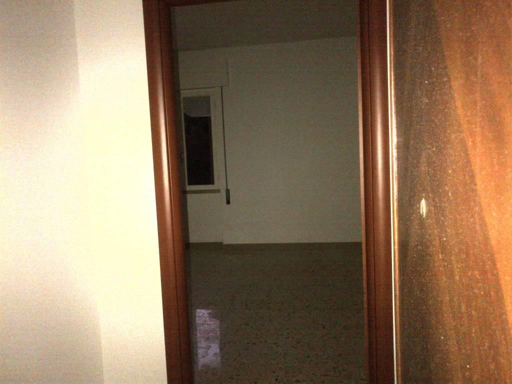 Appartamento in buone condizioni in affitto Rif. 7421690