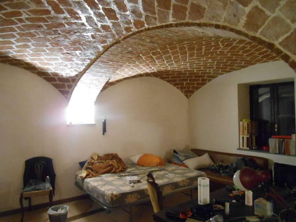 Soluzione Indipendente in vendita a Passerano Marmorito, 12 locali, prezzo € 98.000 | CambioCasa.it