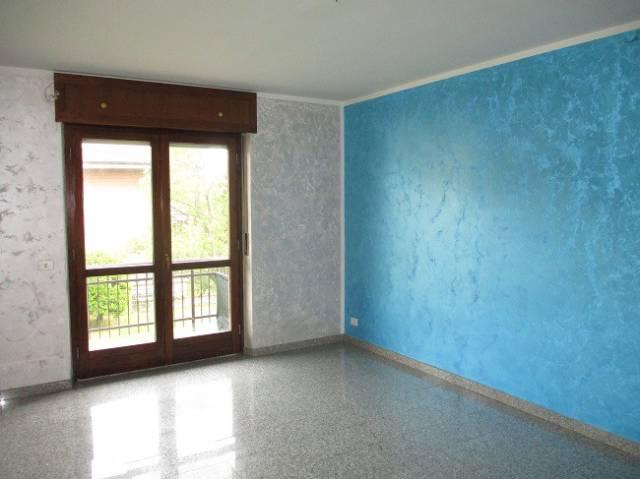Appartamento in buone condizioni in affitto Rif. 4560717