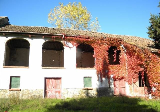 Casa indipendente in Vendita a Acqui Terme: 5 locali, 350 mq