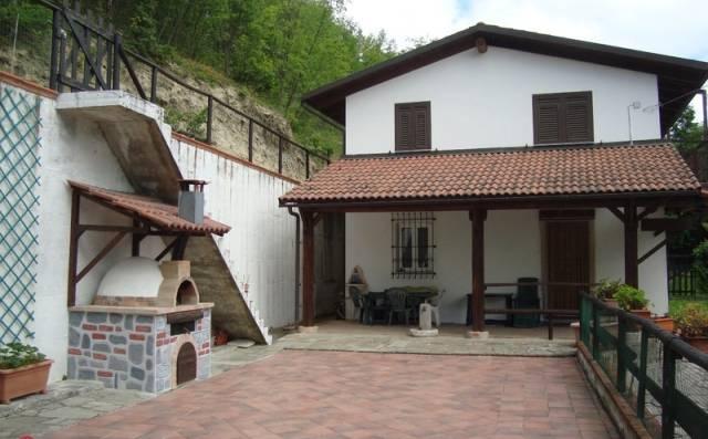 Casa indipendente in Vendita a Acqui Terme: 5 locali, 200 mq