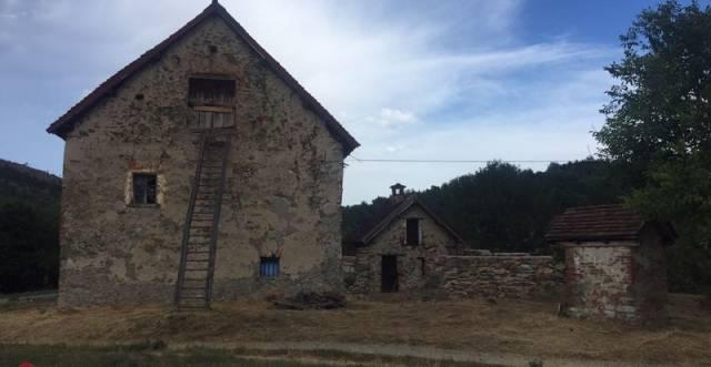 Rustico in Vendita a Sassello: 5 locali, 200 mq