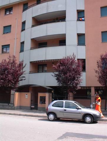 Appartamento in buone condizioni arredato in affitto Rif. 6695350
