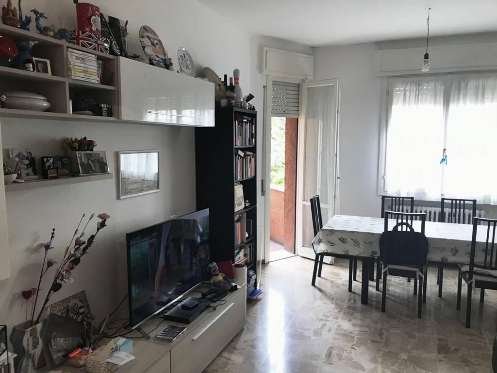 Appartamento in buone condizioni in vendita Rif. 6699934