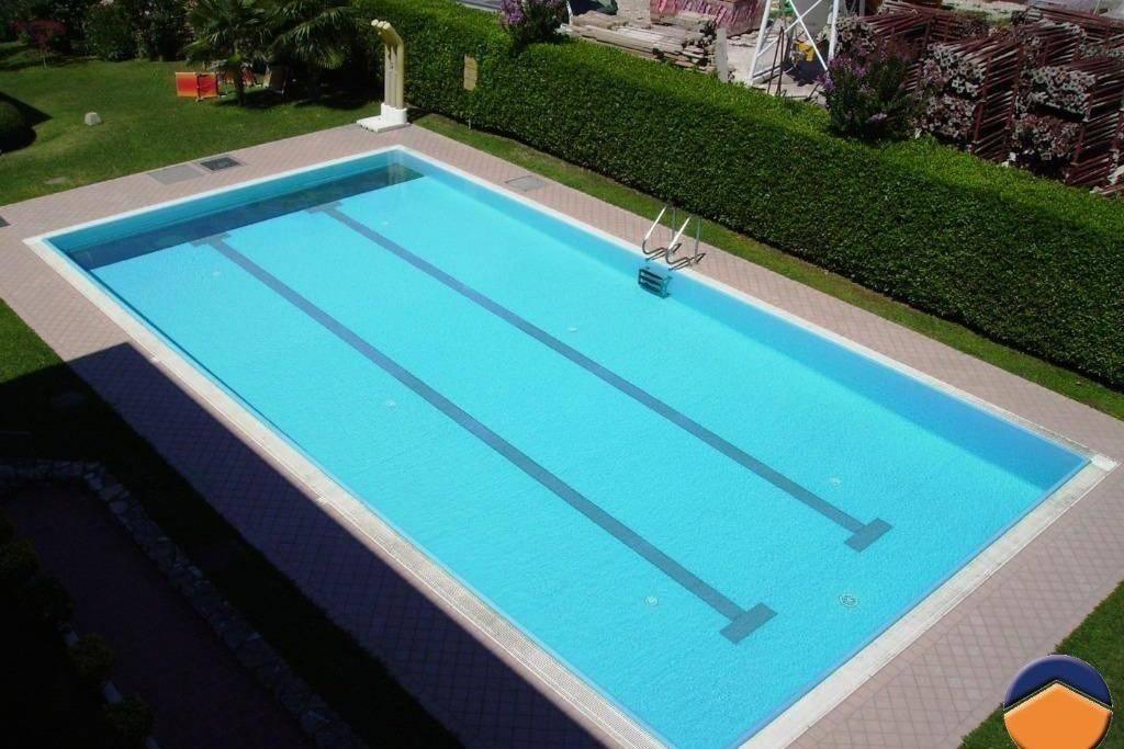Appartamento in ottime condizioni arredato in vendita Rif. 9154517