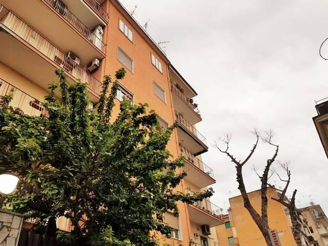 Appartamento in buone condizioni arredato in vendita Rif. 6696263