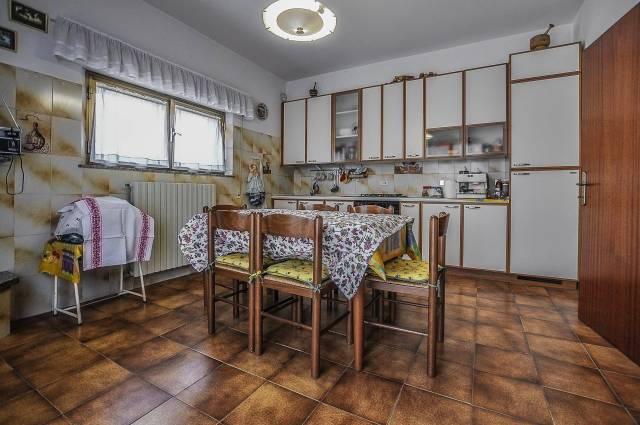 Casa Indipendente in buone condizioni arredato in vendita Rif. 6694553