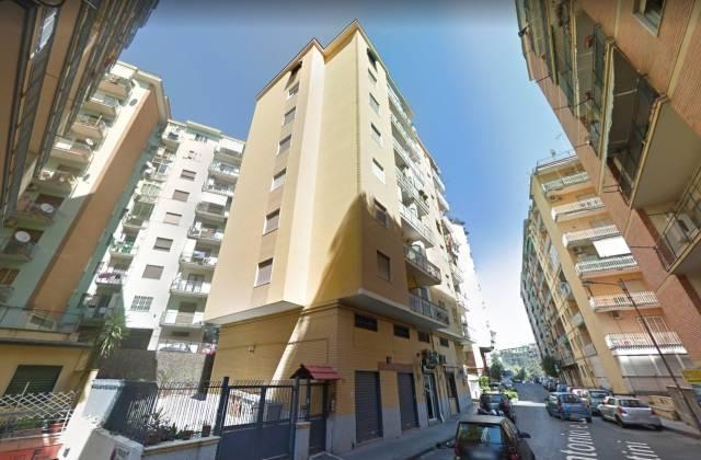 Appartamento in buone condizioni in vendita Rif. 6700310