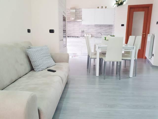 Appartamento in ottime condizioni in vendita Rif. 6694517
