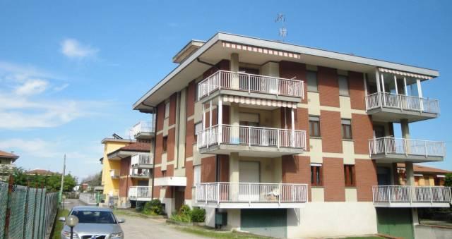 Appartamento in Vendita a Borgomanero Semicentro: 3 locali, 88 mq