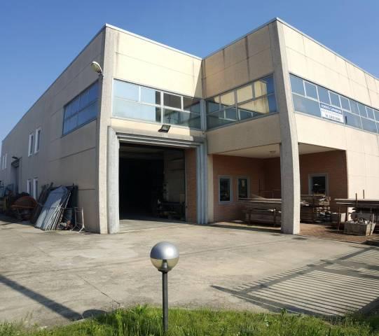 Capannone in vendita a Olgiate Olona, 3 locali, Trattative riservate | CambioCasa.it