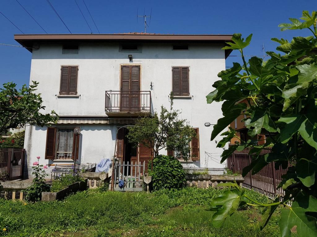 Soluzione Indipendente in Vendita a Albano Sant'Alessandro