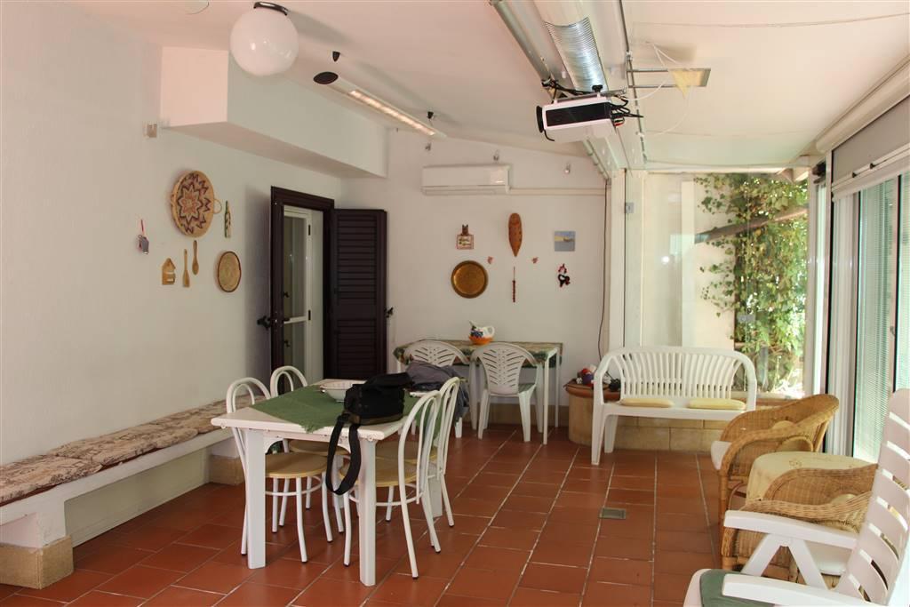 Appartamento in buone condizioni in vendita Rif. 6711261