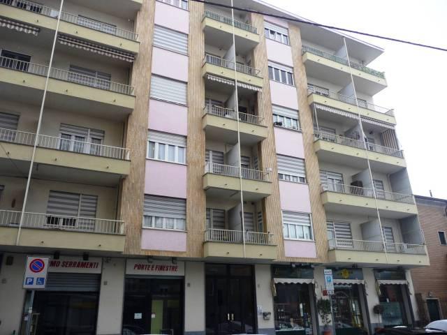 Appartamento in buone condizioni in affitto Rif. 6710133