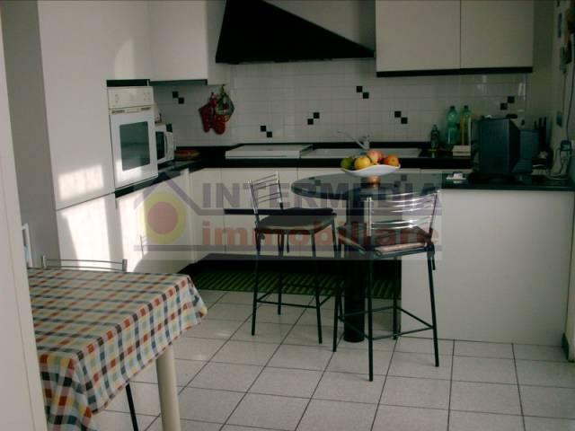 Appartamento in buone condizioni in vendita Rif. 6708899