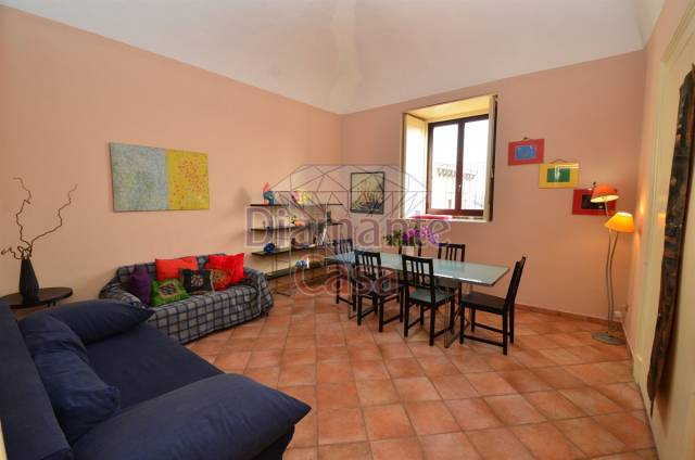 Appartamento in Affitto a Catania Centro: 2 locali, 60 mq