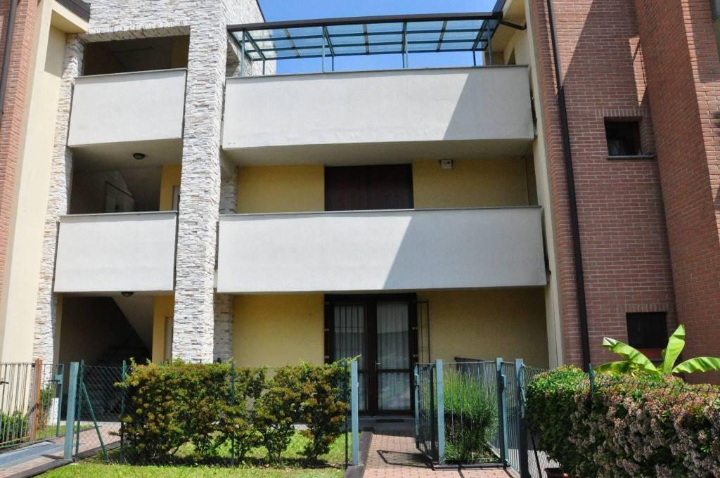 Appartamento in ottime condizioni arredato in vendita Rif. 6710688