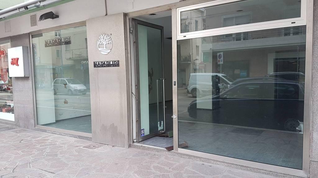 Attività commerciale in affitto Rif. 8328006