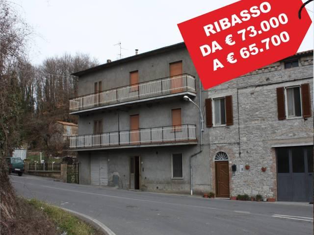 Appartamento in buone condizioni in vendita Rif. 5595167