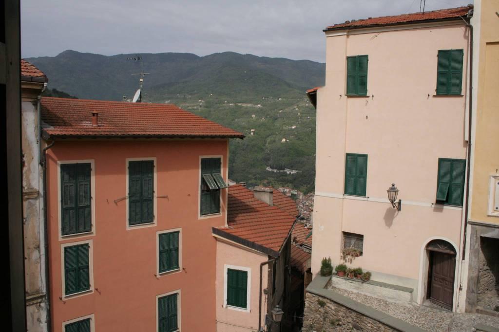 Castelvittorio appartamento di prestigio nel centro storico