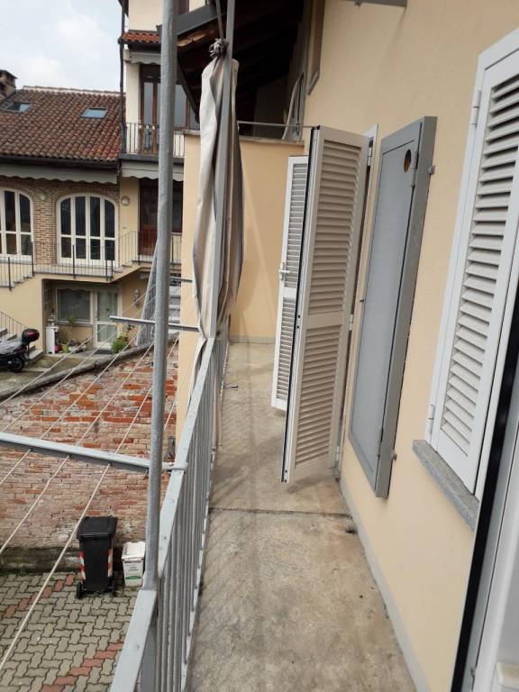 Appartamento in ottime condizioni in affitto Rif. 6718893