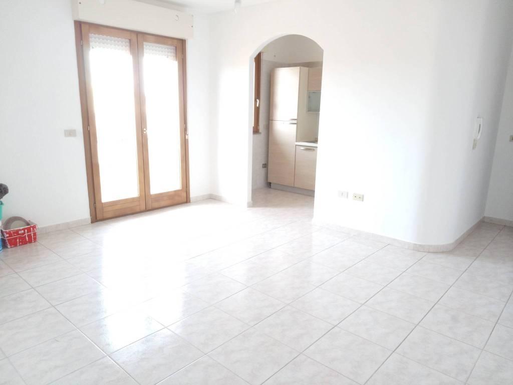 Appartamento in buone condizioni in vendita Rif. 8985511