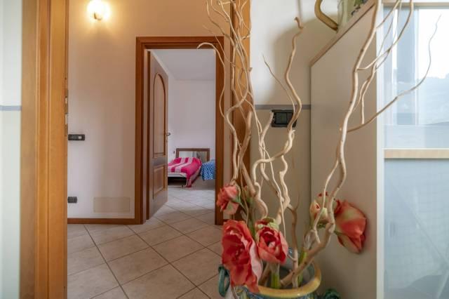 Appartamento in ottime condizioni parzialmente arredato in vendita Rif. 6464415