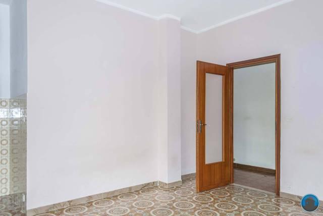 Appartamento in buone condizioni in affitto Rif. 6725230