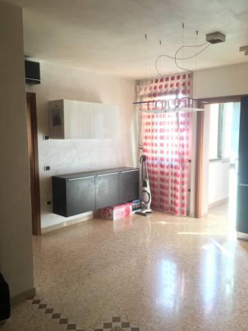 Appartamento in ottime condizioni parzialmente arredato in vendita Rif. 6726212