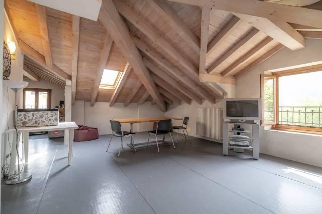Appartamento in ottime condizioni parzialmente arredato in vendita Rif. 6464416