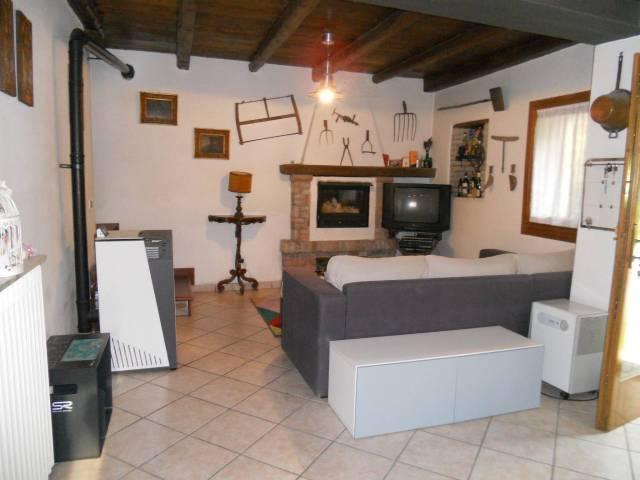 Villa in buone condizioni in vendita Rif. 6730219