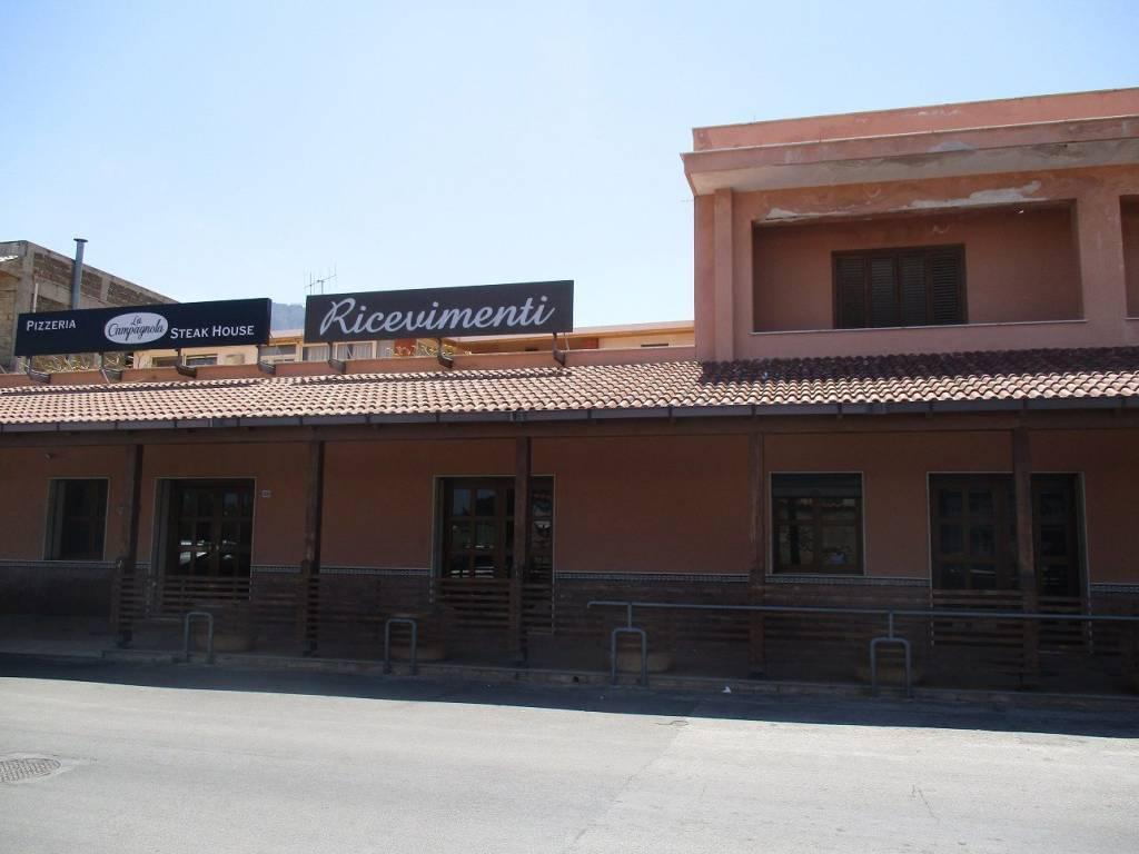 Locale Commerciale pressi Bivio Foresta