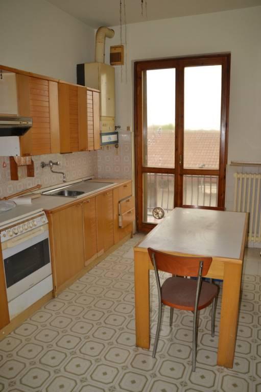 Appartamento da ristrutturare in vendita Rif. 6728931