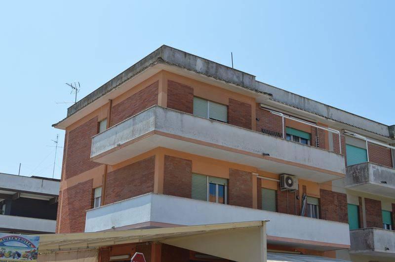 Appartamento in vendita a Anzio, 4 locali, prezzo € 135.000 | CambioCasa.it