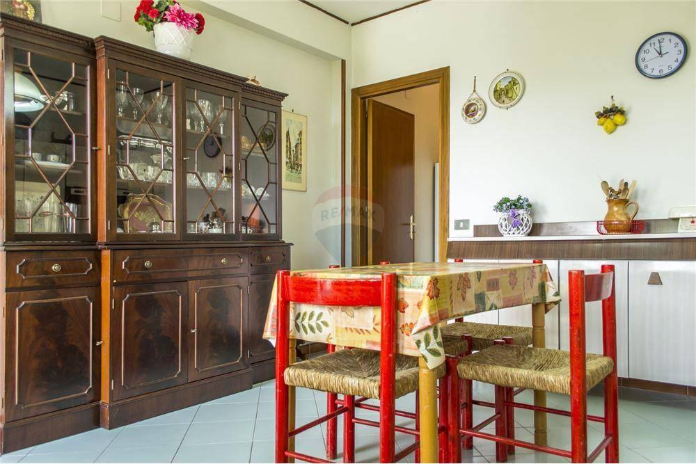 Appartamento in buone condizioni in vendita Rif. 6726560