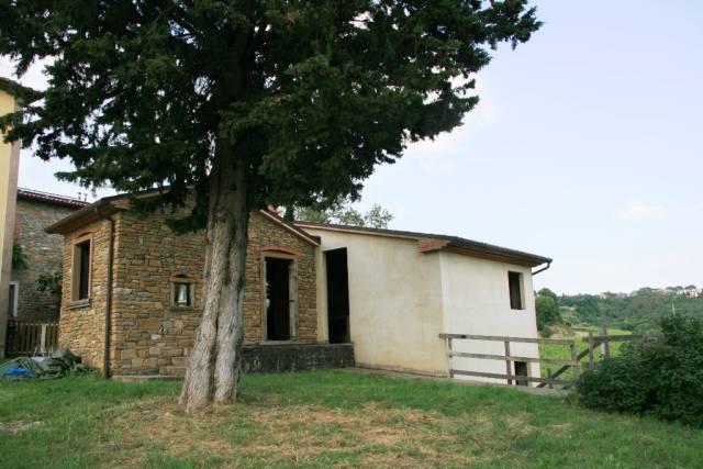 Rustico in Vendita a Arezzo Periferia Nord: 5 locali, 160 mq