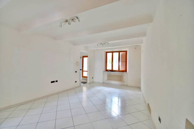 Appartamento quadrilocale in vendita a Montecosaro (MC)