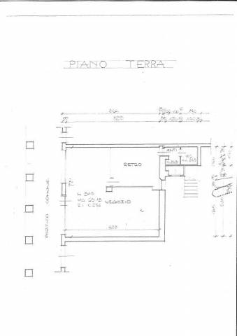 Negozio-locale in Affitto a Novellara: 1 locali, 75 mq