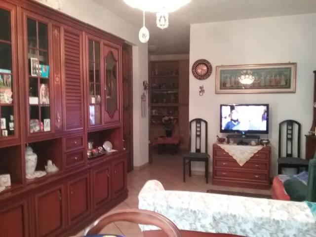 Appartamento in buone condizioni in vendita Rif. 6730601