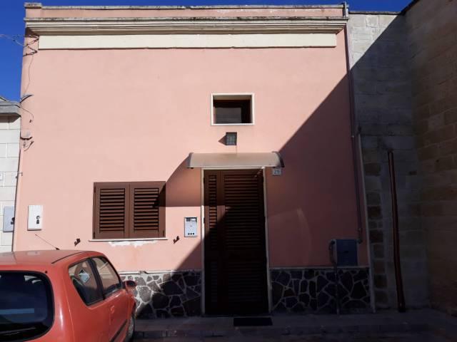 Appartamento in ottime condizioni parzialmente arredato in vendita Rif. 6724921