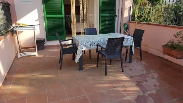 Appartamento in buone condizioni in vendita Rif. 6737167
