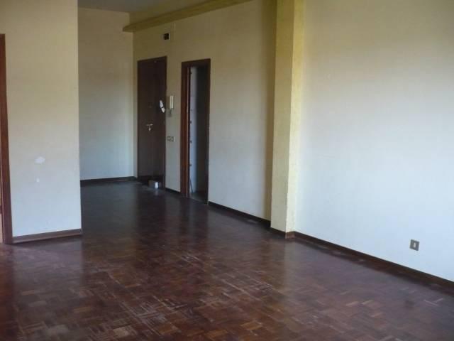Appartamento in buone condizioni in vendita Rif. 6740776