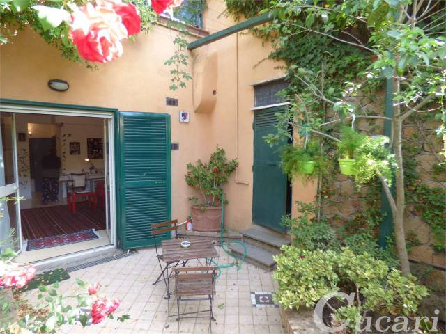 Appartamento in ottime condizioni arredato in affitto Rif. 6736693